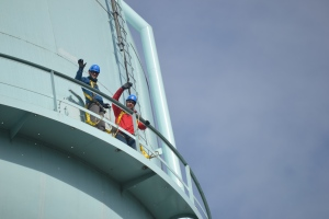 Matthew Alexander (EPA TSC) and Tom Waters (EPA TSC) at the top of the tank.